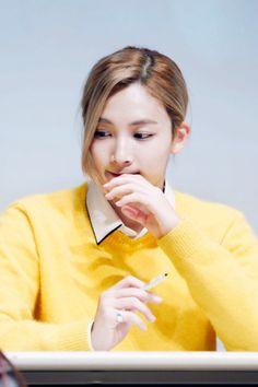 Jeonghan Seventeen, Crop Photo, Eye Candy, Handsome, Korean, Hairstyle, Angel, Kpop, Long Hair Styles