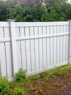 Semi-Privacy Vinyl Fence Front Fence, Fence Gate, Fences, Fence Ideas, Yard Ideas, Backyard Storage, Small Backyard Landscaping, Garden Fencing, Fence Design
