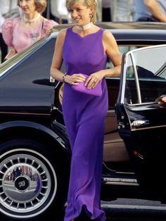 1996 brillierte sie in Chicago in Lila. Ihren Verlobungsring trägt heute Herzogin Kate.
