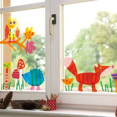 Fenstertiere Herbst                                                                                                                                                                                 More Holiday Crafts For Kids, Autumn Crafts, Diy For Kids, Diy And Crafts, Paper Crafts, Forest Mural, Classroom Art Projects, Diy Presents, Window Art
