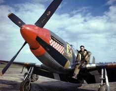 "Captain Don Gentile with his ""Shangrila"" during March of 1944 when he was leading the pack to break Eddie Rickenbacker's WWI record of 26 enemy aircraft destroyed. Eddie Rickenbacker, De Havilland Mosquito, P51 Mustang, Ww2 Planes, Military Photos, Fighter Pilot, Ww2 Aircraft, Nose Art, Royal Air Force"