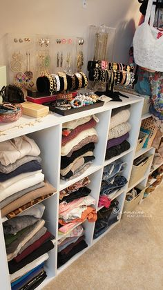 Use cubes vs shelves to corral shirts n sweaters