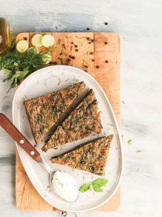 Σπανακόπιτα με πράσα και μυρωδικά - www.olivemagazine.gr Types Of Food, Hummus, Food Porn, Ethnic Recipes, Treats