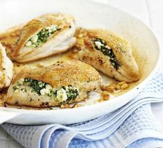 The Paleo Diet Recipes: Spinach and Mushrooms Stuffed Chicken Breasts. Not sure what the Paleo diet is all about but these sound yummy. Mushroom Stuffed Chicken Breast, Feta Chicken, Chicken Breast Fillet, Spinach Stuffed Mushrooms, Spinach Stuffed Chicken, Stuffed Peppers, Chicken Breasts, Artichoke Chicken, Greek Chicken