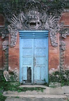 Bali Door / Tomas Spangler Photography
