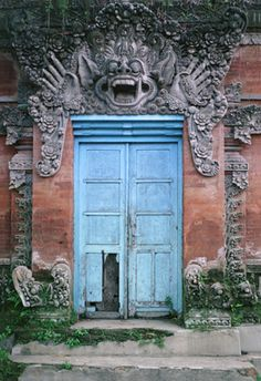 Bali Door / Tomas Spangler Photography