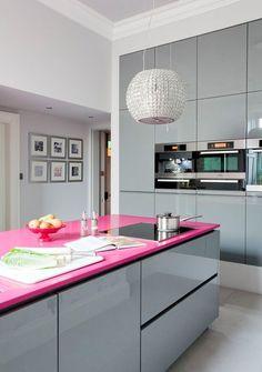Aprenda agora como fazer a decoração cinza e rosa para sua casa. Ela é tendência para 2016 e vai ficar linda! Escolha uma das 26 inspirações e mão a obra.
