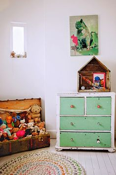 mommo design: 8 RECYCLING IDEAS - Vintage suitcase as toy storage
