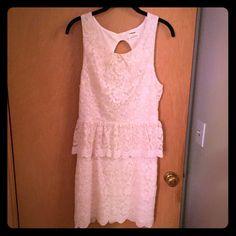 2 Time Host Pick! Lace peplum dress NWOT Lace peplum dress with an open back. Zipper at the back of the waist. Never worn. Gorgeous dress! Pins & Needles Dresses