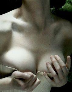 """""""Tu donnerais de l'amour à un mort. Comment veux-tu que je ne t'aime pas ? Tu as un pouvoir d'attraction à faire dresser les pierres à ta voix.""""  — Gustave Flaubert,Lettre à Louise Colet  (Source: carnet-intime)"""