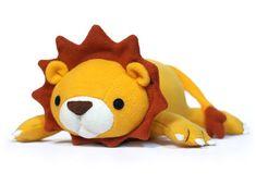 He encontrado este interesante anuncio de Etsy en https://www.etsy.com/es/listing/73831246/lucky-lion-stuffed-animal-pattern-pdf