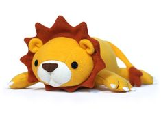 Adorable lion stuffed animal pattern, what a cute plushie to sew!