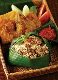 Nasi Tutug Oncom, Sundanese cuisine of indonesia Indonesian Cuisine, Indonesian Food Traditional, Indonesian Recipes, Malay Food, Good Food, Yummy Food, Malaysian Food, Asian Recipes, Ethnic Recipes