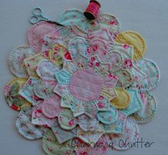 "Charming Chatter: Pretty Little Trivets & Hot Pads Tutorial. I'd like to make the ""flower"" for a quilt applique. Quilting Tips, Quilting Tutorials, Quilting Projects, Sewing Projects, Fabric Crafts, Sewing Crafts, Dresden Plate Quilts, English Paper Piecing, Small Quilts"