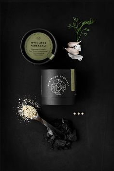 Mariager Sydesalt is Not Your Typical Table Salt — We Design Daily Black Packaging, Coffee Packaging, Beauty Packaging, Print Packaging, Design Packaging, Food Packaging, Flat Lay Photography, Product Photography, Cosmetics Ingredients
