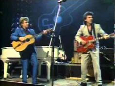 Carl Perkins and a bunch of superstars. Dave Edmunds, Rockabilly Music, Jerry Lee Lewis, Then Sings My Soul, Better Music, Old Rock, Roy Orbison, Soundtrack To My Life, Life Video