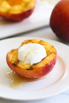 80 calorie, grilled peaches with raw honey and cinnamon greek yogurt