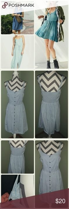Summer Dress Light weight, button front and adjustable straps. Super stretchy. Hardly warn.   100% Cotton Old Navy Dresses