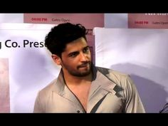 Sidharth Malhotra at Khidkiyaan Theatre Festival Festival 2017, Gossip, Theatre, Presidents, Interview, Music, Youtube, Pictures, Fictional Characters