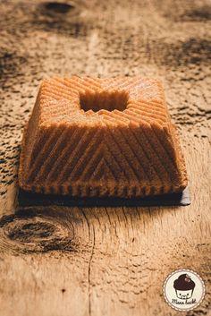 Mann backt Kentucky Butter Bundt Cake Butter Gugelhupf Marian Moschen (2 von 6)