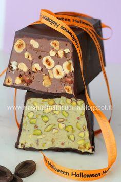 Nel periodo a ridosso del 2 novembre in molte zone della nostra penisola vengono realizzati dei dolci per la commemorazione dei defun...