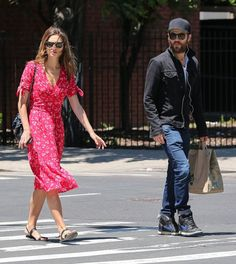 Pin for Later: Paul Wesley and Phoebe Tonkin Have a Sweet Day Date in NYC