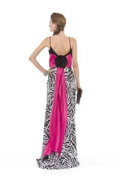 Vestido longo em seda pura estampada com busto em tafetá. Laço e flor nas costas. Cod. 101618bc   #zumzum #zumzumfesta #vestido #festa #vestidodefesta #dress #partydress