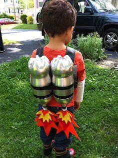 DIY Jet Pack DIY kids costume for dress up party Space Costumes, Robot Costumes, Diy Costumes, Diy Astronaut Costume, Astronaut Diy, Diy For Kids, Cool Kids, Crafts For Kids, Costume Famille