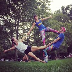 Trio fun with the super fun and playful @lilcurc   #DoubleFlag #Flag #AcroRevolution #Yoga #PartnerYoga #FitCouple #Fitspo #Fitchicks #DoubleFlyer #Counterbalance #Trust #Acroyoga #CentralPark #Play #Fun #Smile #Friends #Teamwork #AcroCommunity