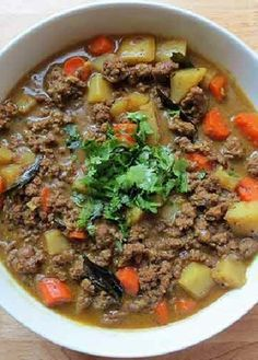 Low FODMAP Recipe and Gluten Free Recipe - Minced beef & potato stew Fodmap Recipes, Paleo Recipes, Fodmap Foods, Passover Recipes, Meat Recipes, Chicken Recipes, Whole30 Ground Beef Recipes, Healthy Meals, Gastronomia
