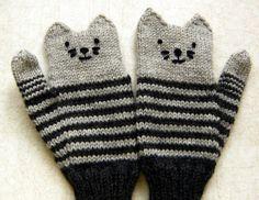 lakenzie:    amydoi:    kitten mittens!