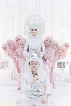 Cute and Romantic Muslim Wedding Muslimah Wedding Dress, Muslim Wedding Dresses, Muslim Brides, Bridal Hijab, Hijab Bride, Wedding Hijab, Couples Musulmans, Malay Wedding Dress, Moslem