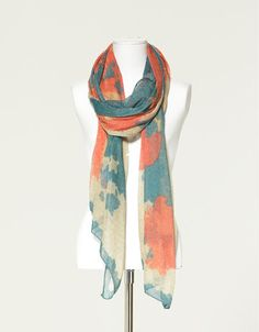metallic thread scarf - zara. love everything at Zara, too bad there isn't a store in Portland :(