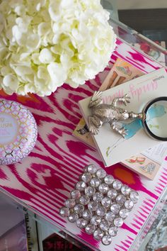 Sydne Style home tourcandles coasters c wonder frog magnifier