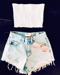 use to get pictures of your clothes republished or posted! (not all things are mine) Simple Summer Outfits, Cute Lazy Outfits, Casual School Outfits, Summer Outfits For Teens, Teen Fashion Outfits, Girly Outfits, Trendy Outfits, Cool Outfits, Shorts Outfits For Teens