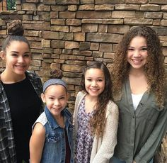 HaschakSisters (@HaschakSisters) | Twitter Hashtag Sisters, Sister Songs, Sister Pictures, Star Clothing, Famous Stars, Jonas Brothers, Celebs, Celebrities, Sexy Feet