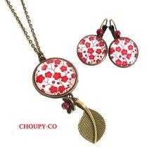 Collier + boucles d'oreilles * fleurs rouges * blanc feuille bronze cabochon parure fantaisie : Parure par choupy-co
