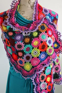 De Haakzolder: Flowers Everywhere Grannies Crochet, Crochet Motifs, Love Crochet, Crochet Yarn, Crochet Flowers, Crochet Stitches, Crochet Patterns, Beautiful Crochet, Crochet Purses