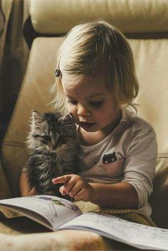 Cats and kittens can be delightful additions to a family, and between 9 and 12 years old, children start to become more responsible, making this an ideal time to get a cat. Animals For Kids, Animals And Pets, Baby Animals, Funny Animals, Cute Animals, Cute Kids, Cute Babies, Animal Pictures, Cute Pictures