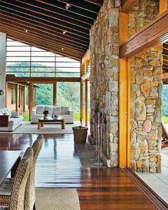 Casas de campo: 10 projetos com visual rústico e aconchegante - Casa Diy Garden Decor, House In The Woods, Cozy House, My Dream Home, Exterior Design, Exterior Paint, Modern Architecture, Beautiful Homes, New Homes