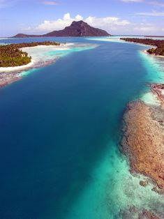 cades reef, angielski harbor, antigua. Book an all inclusive trip to Antigua on www.click2xscape.com Barbados, Jamaica, Places To Travel, Places To See, Travel Destinations, Travel Stuff, Tahiti, Bora Bora, Saint John