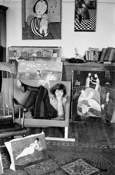 David Hurn. G.B. ENGLAND. LONDON. Artist Dora HOLTZLANDER in her London home. Normally paints herself in all her paintings. 1968