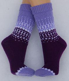 Knitting Charts, Free Knitting, Knitting Socks, Knitting Patterns, Loom Knitting, Crochet Socks, Crochet Yarn, Lang Yarns, Fair Isle Knitting