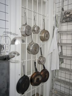 hang pans.
