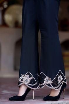 Flower of night trousers henna mehndi Pakistani Fashion Party Wear, Pakistani Dresses Casual, Pakistani Dress Design, Embroidery Suits Design, Embroidery Fashion, Hand Embroidery, Stylish Dress Designs, Stylish Dresses, Fashion Pants