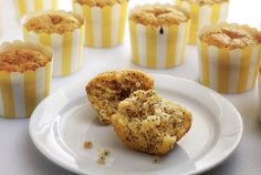 Light, lemon and citrusy with kick from the poppy seeds, these paleo and gluten free muffins and simple to make. A taste of summer in every bite!