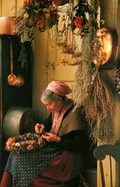 Tasha Tudor Making a wreath
