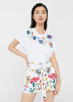 T-shirt de flores bordadas - T-shirts e tops de Mulher | MANGO Portugal