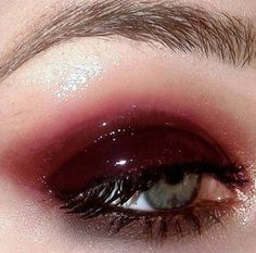 Image discovered by noturbaby. Find images and videos about girl, aesthetic and makeup on We Heart It - the app to get lost in what you love. Goth Makeup, Makeup Art, Beauty Makeup, Hair Makeup, Makeup Style, Makeup Goals, Makeup Inspo, Makeup Inspiration, Makeup Ideas