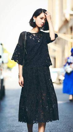 Fashiontroy Minimalism high rise white black creped sheer pure color midi skirt
